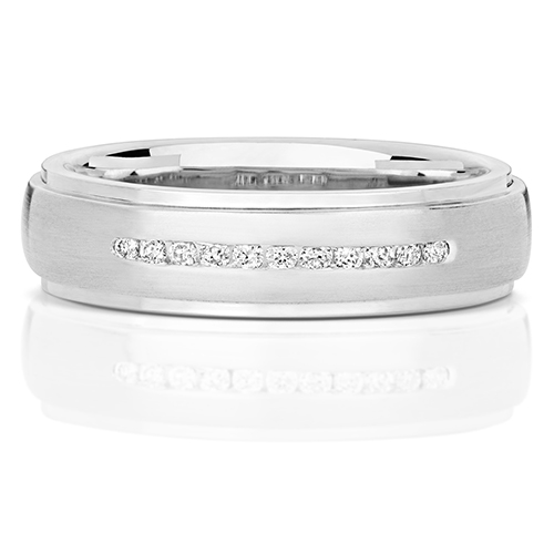 https://shop.strattonsjewellers.co.uk/content/product_images/rd706w_am.jpg?modified_time=2018-07-19_13:15:37