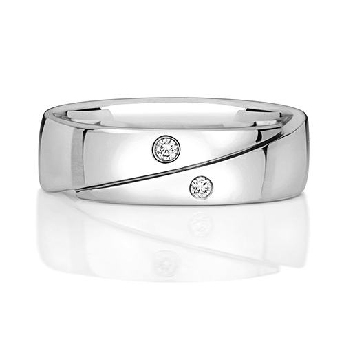https://shop.strattonsjewellers.co.uk/content/product_images/rd715w_am.jpg?modified_time=2018-07-23_09:55:44