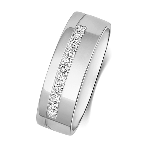https://shop.strattonsjewellers.co.uk/content/product_images/rd731w_bm.jpg?modified_time=2018-07-19_13:15:41